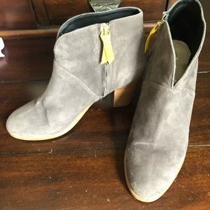 Suede heeled booties in gray size 39 (US 9) Boden